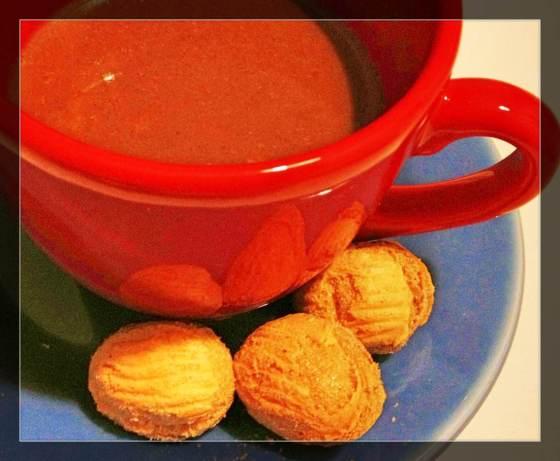 chocolate quente com chocolate alpino