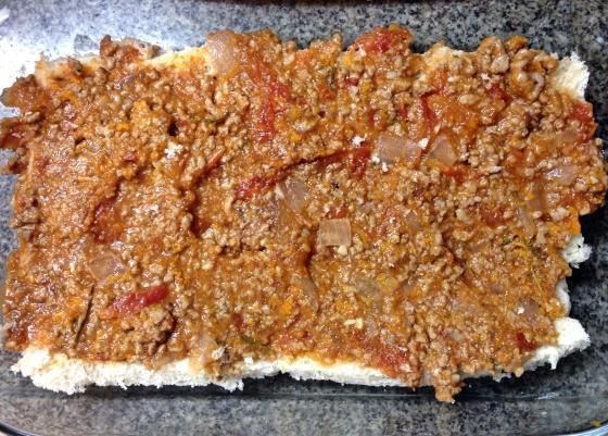 lasanha de pão à bolonhesa